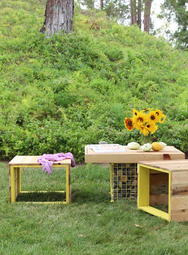 pallet coffee table and bench easy diy outdoor pallet furniture