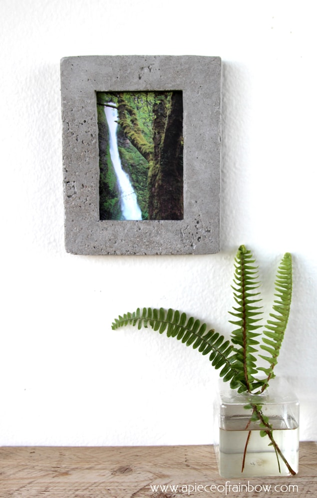 Make unique and fun Concrete picture frame! Perfect for industrial, chic homes!! - a Piece Of Rainbow