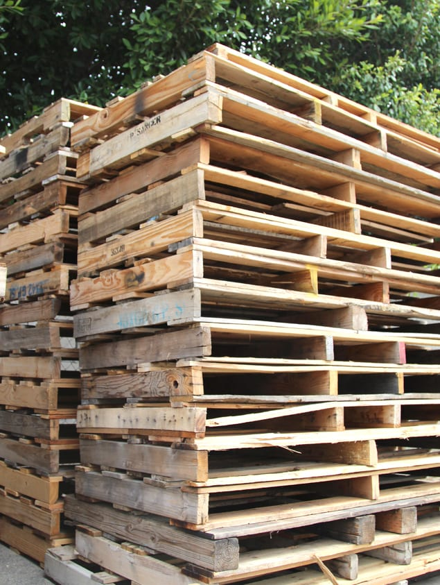 find free wood pallets, great for DIY projects