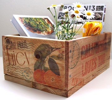 Make gorgeous pallet wood crates inspired by vintage orchard and farm crats, & transfer images to wood easily!| A Piece of Rainbow
