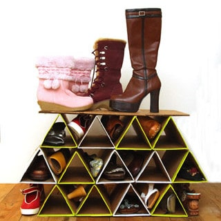 Make a SUPER space saving and surprisingly sturdy DIY shoe rack from cardboard for $0! It holds more shoes than most shoe storage racks and fits in a closet! | A Piece of Rainbow