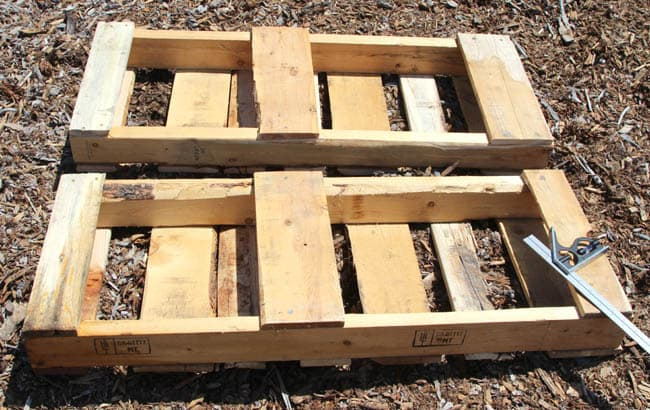diy-pallet-potting-bench-apieceofrainbowblog (15)