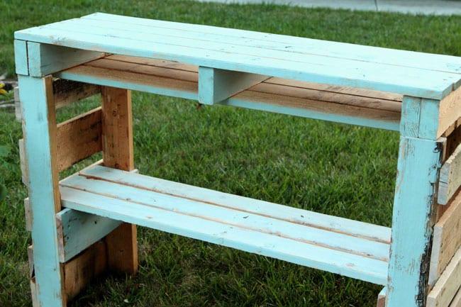 diy-pallet-potting-bench-apieceofrainbowblog (2)