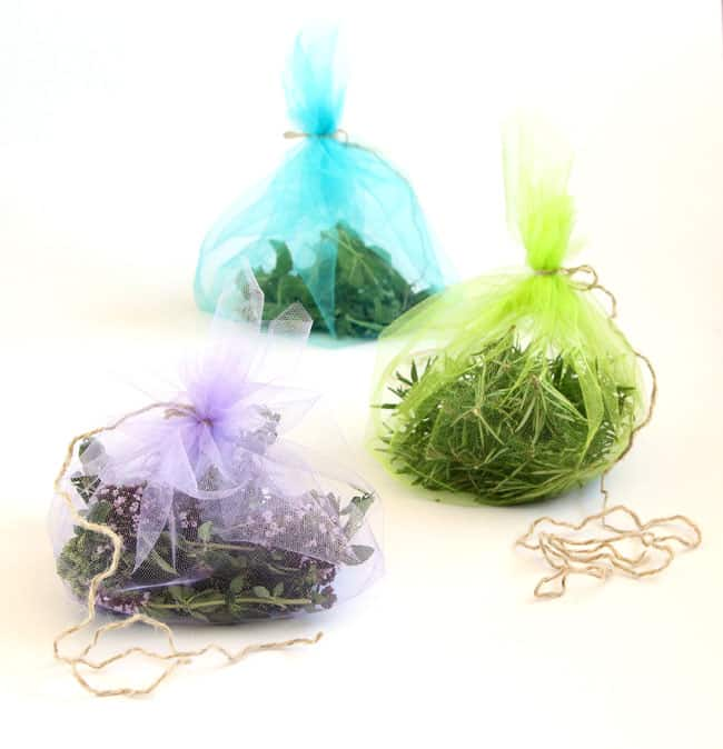 how_to_dry_herbs_apieceofrainbowblog (5)