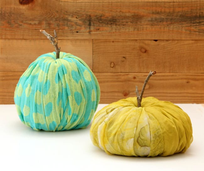 instant-fabric-pumpkin-decoration-apieceofrainbowblog (17)