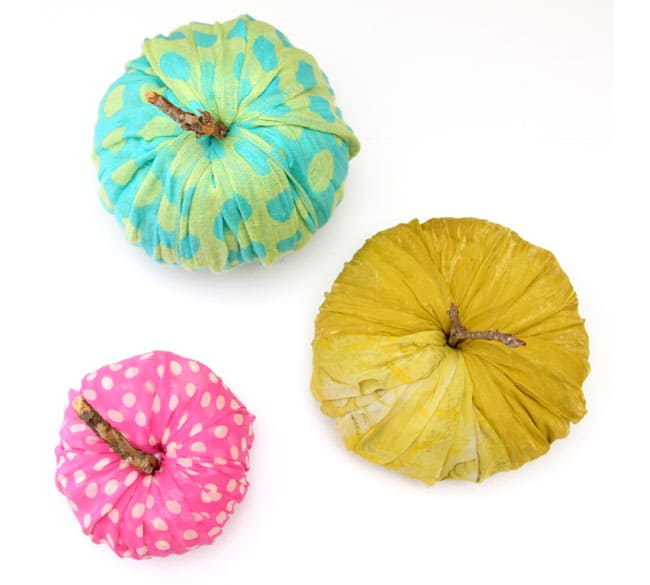 instant-fabric-pumpkin-decoration-apieceofrainbowblog (19)