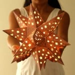 """This enchanting and rusty """"metal"""" star lantern is made with... paper! Easy tutorial with free printable template to make your own!"""