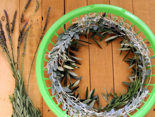make-wreath-quick-easy-hack-apieceofrainbowblog (12)