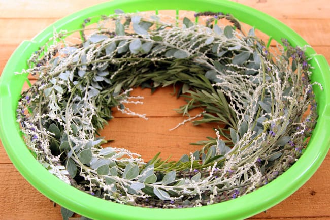 make-wreath-quick-easy-hack-apieceofrainbowblog (14)