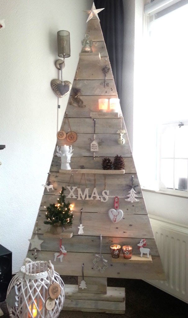 Farmhouse DIY pallet Christmas tree with ledge shelves