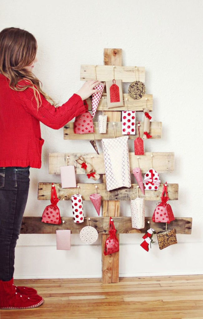 DIY advent calendar pallet Christmas tree