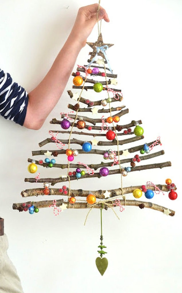 Make alternative Christmas Tree using branches and twigs