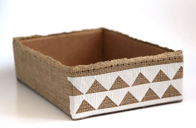 make-burlap-storage-box-apieceofrainbowblog (20)