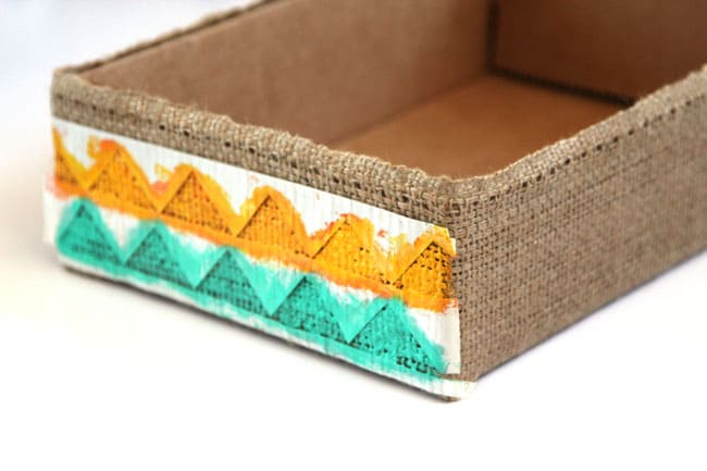make-burlap-storage-box-apieceofrainbowblog (21)
