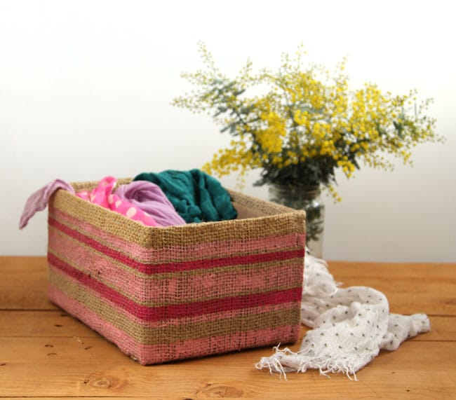 make-burlap-storage-box-apieceofrainbowblog (3)