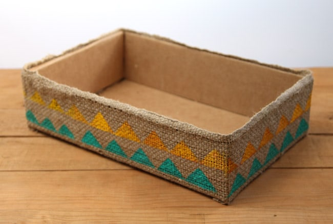 make-burlap-storage-box-apieceofrainbowblog (7)