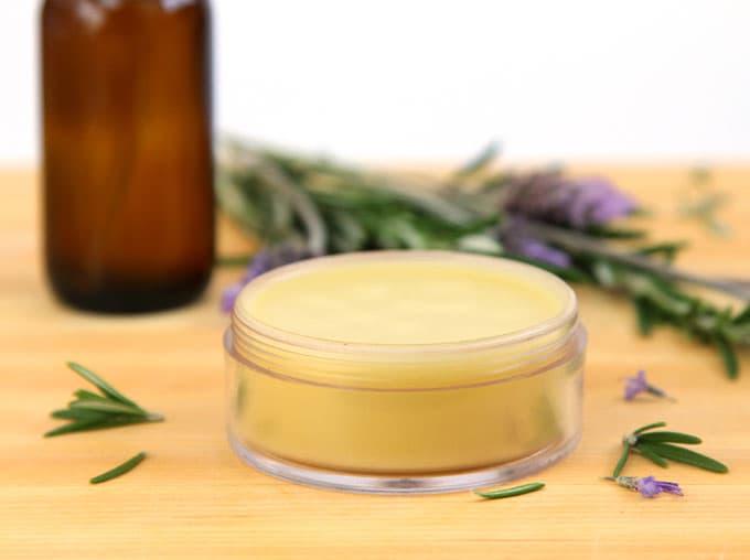 DIY-natural-mosquito-repellent-apieceofrainbow (2)