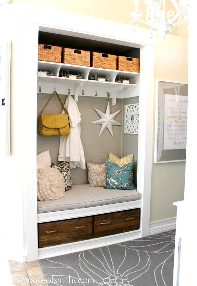 beautiful entryway bench seating and storage baskets