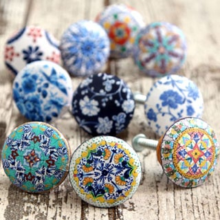 5 minute Anthropologie knobs knockoff: free printable designs and best secret on how to decoupage wood easily. Make $1 beautiful DIY drawer knobs that look like expensive hand painted dresser knobs! - A Piece of Rainbow