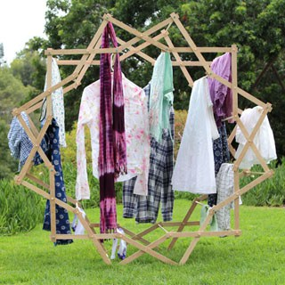 Make a beautiful star shaped clothes drying rack that magically expands, using very simple tools and materials! Detailed tutorial and free building plans. - A Piece of Rainbow Blog