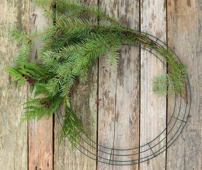 diy-fresh-christmas-wreath-apieceofrainbow-6