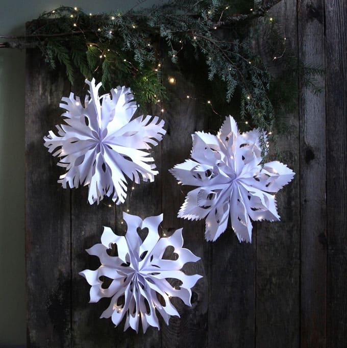 paper-bag-snowflake-pendants-apieceofrainbowblog-14