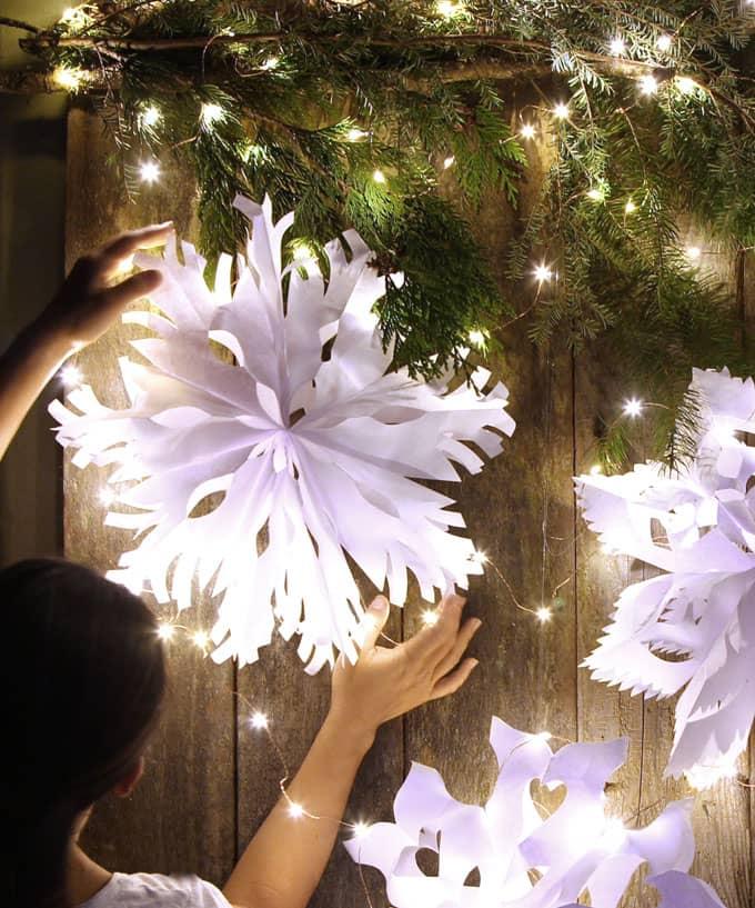 paper-bag-snowflake-pendants-apieceofrainbowblog-20