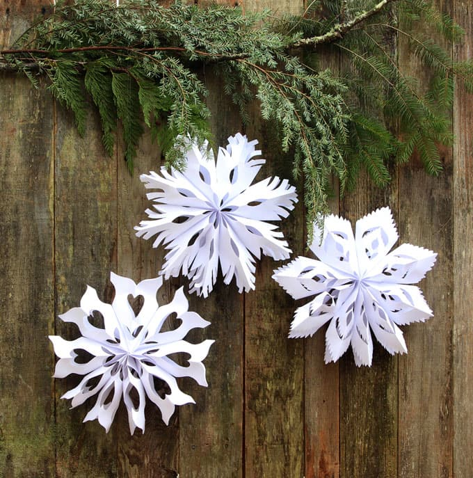 paper-bag-snowflake-pendants-apieceofrainbowblog-9