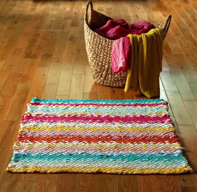 how to make a rag rug out of t shirts
