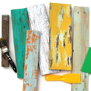 Ultimate guide on how to distress wood and furniture. Video tutorials of 7 easy painting techniques that give great results of aged look using simple tools. via A Piece Of Rainbow