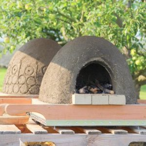 DIY wood fired earth cob oven