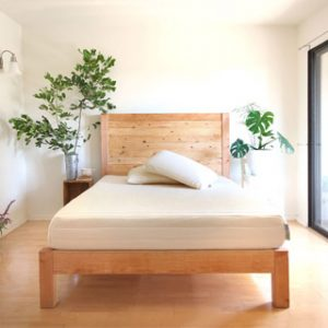 west Elm style beautiful DIY queen bed frame & wood headboard easily. Free DIY bed plan & variations on king, queen & twin size bed, best natural wood finishes, and lots of helpful tips! - A Piece of Rainbow