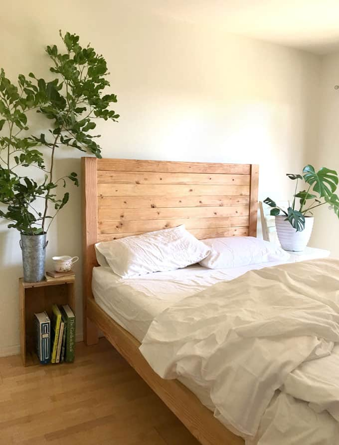 make a farmhouse wood bed frame with headboard