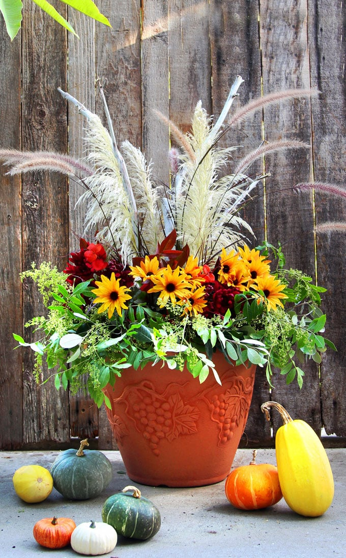 DIY Fall & Thanksgiving Decorations Planter {So Easy!} - A ...