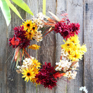 Gorgeous DIY fall wreath in 10 minutes: long-lasting fall & Thanksgiving decorations indoors or outdoors! Video, tutorial & great design tips!