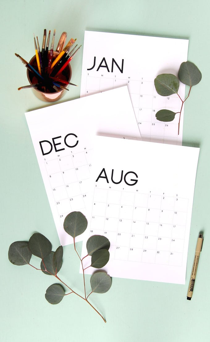 Gorgeous modern minimal 2020 calendar & monthly planners free printables! Check out more free downloads: beautiful flowers calenders & unique 3D calendar!