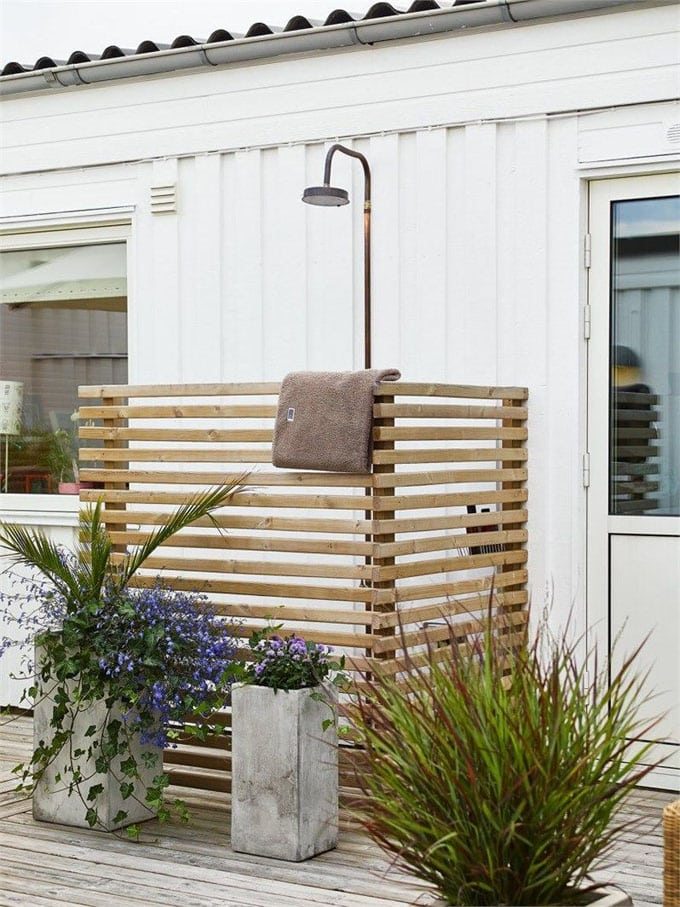 Wood Outdoor Shower Enclosure Ideas