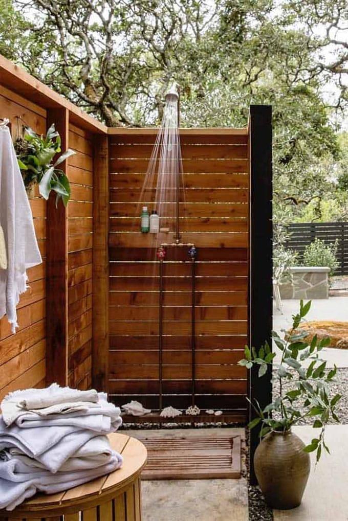 Attractive garden shower designs