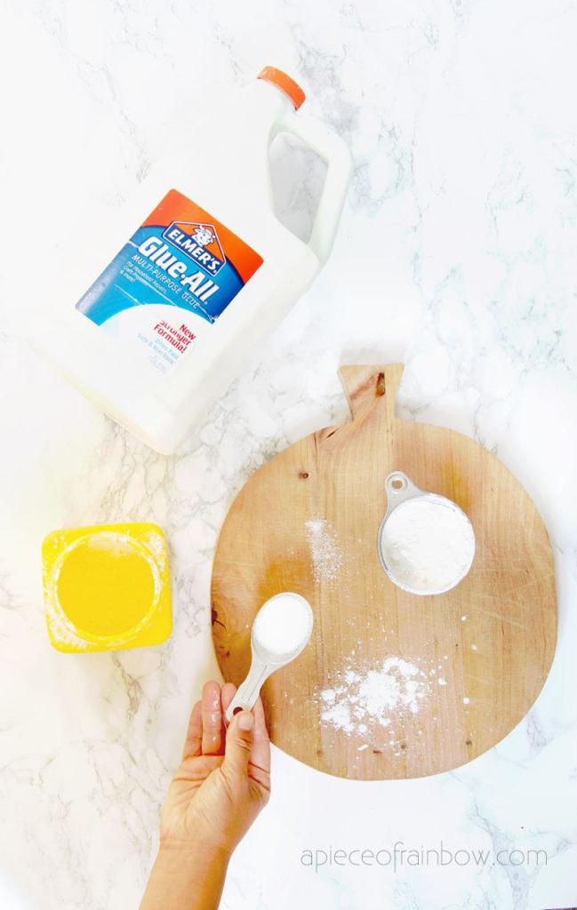 make air drying paly dough clay with glue and cornstarch