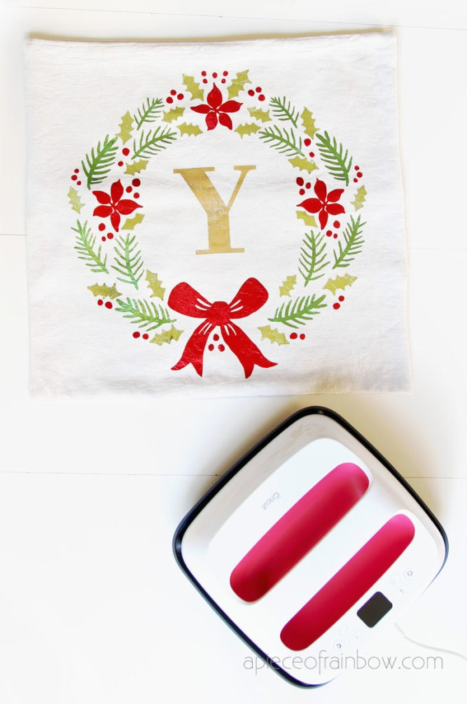 cricut easypress to create iron on christmas wreath pillow case