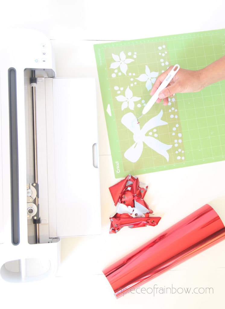 cricut cutting mat and weeder tool
