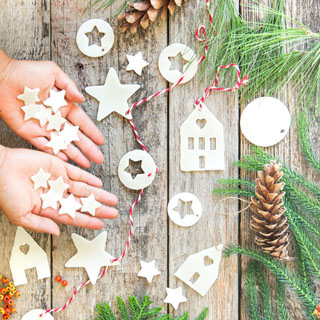 How to make salt dough or air dry clay ornaments & lighted star Christmas garland using cookie cutters & DIY templates, & helpful tips to prevent cracks. – A Piece of Rainbow
