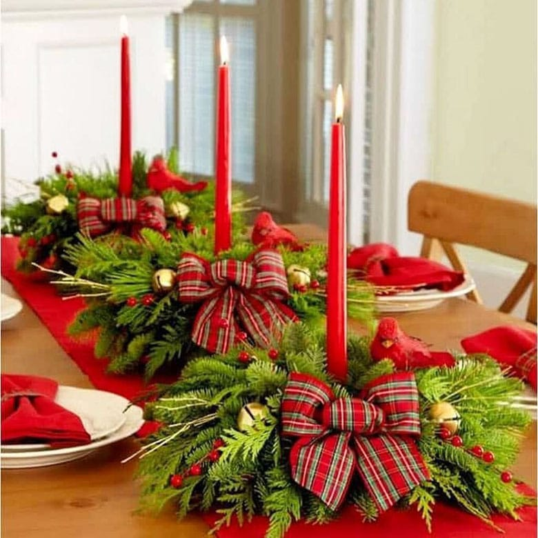 Red and green Christmas table decor ideas