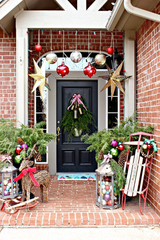 Outdoor Christmas decorating ideas for the front porch
