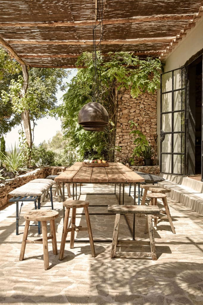 patio shade cover idea in a traditional Mediterranean farmhouse style