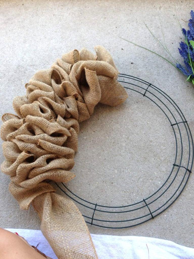 easy DIY burlap wreath