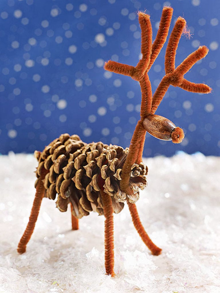 make a pine cone reindeer Christmas crafts