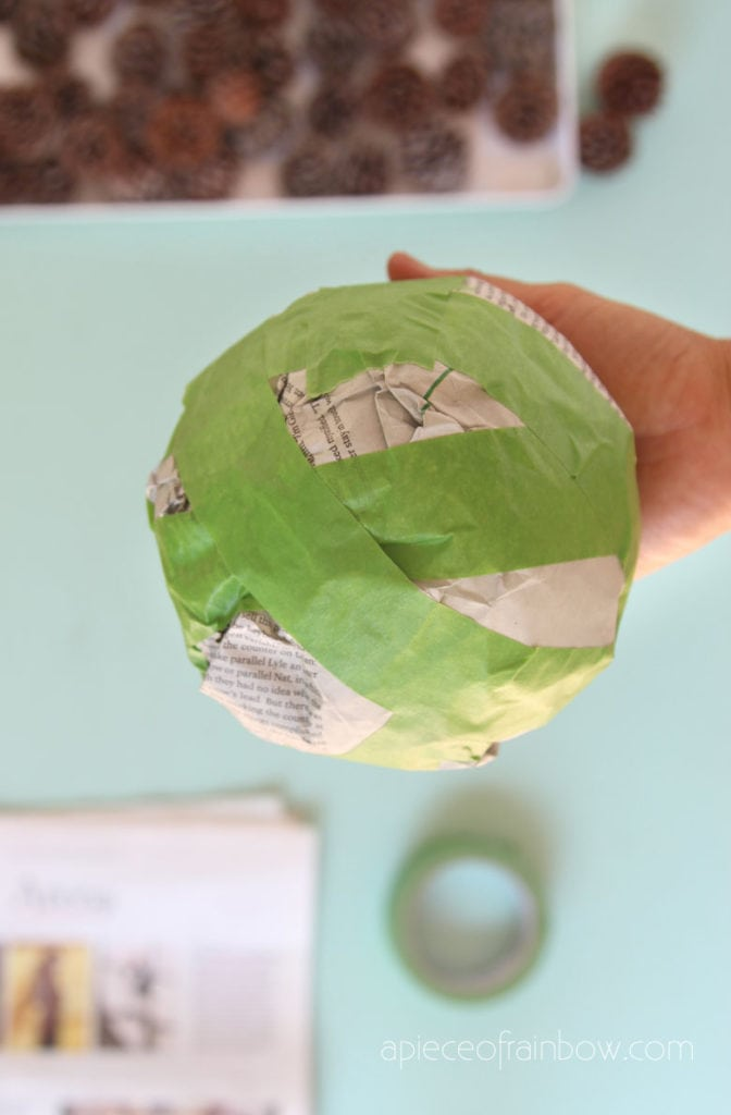 make a paper craft ball