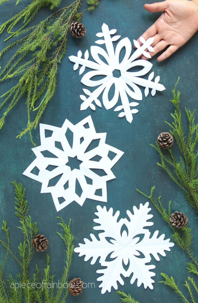 beautiful paper snowflakes winter and Christmas craft ideas