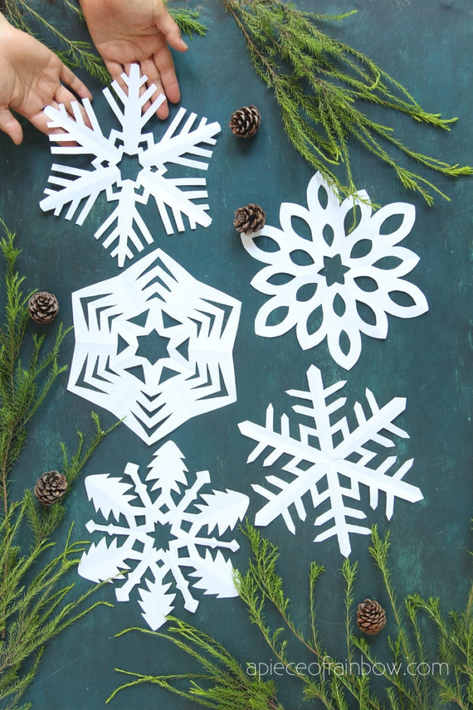 make beautiful easy paper snowflakes  with best free templates